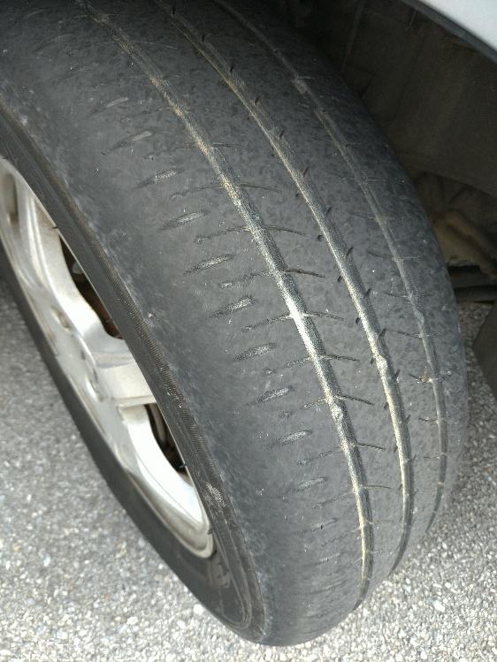 タイヤが危ない