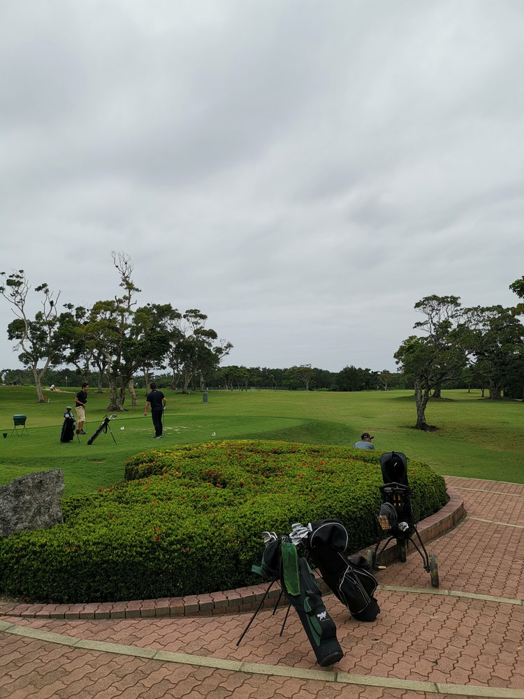知花 ゴルフ コース